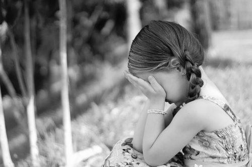 悲しい女の子
